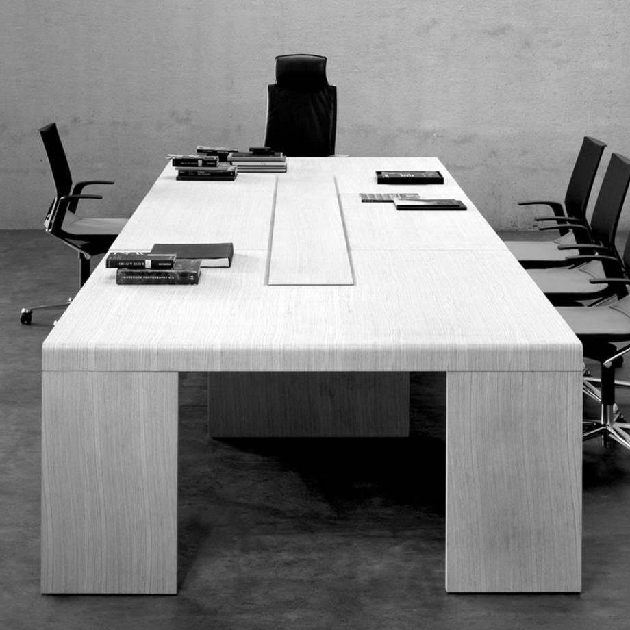 FAMO Katamaran table de reunion